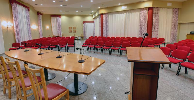 Ο συνεδριακός χώρος στο ξενοδοχείο Sun Rise
