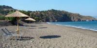 Η παραλία της Ψιριάρας. Είναι πιθανό να συναντήσετε γυμνιστές στο τέλος της παραλίας.